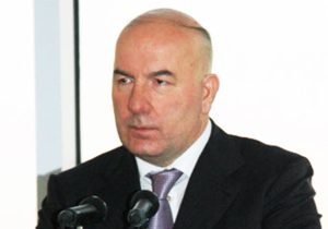 Elman Rustamov Predicts Stable Manat Rate by End of Year