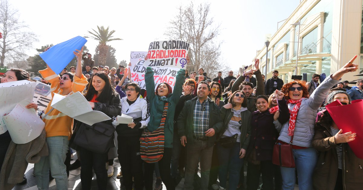 Feminist march in Baku: chanting over shouts of police