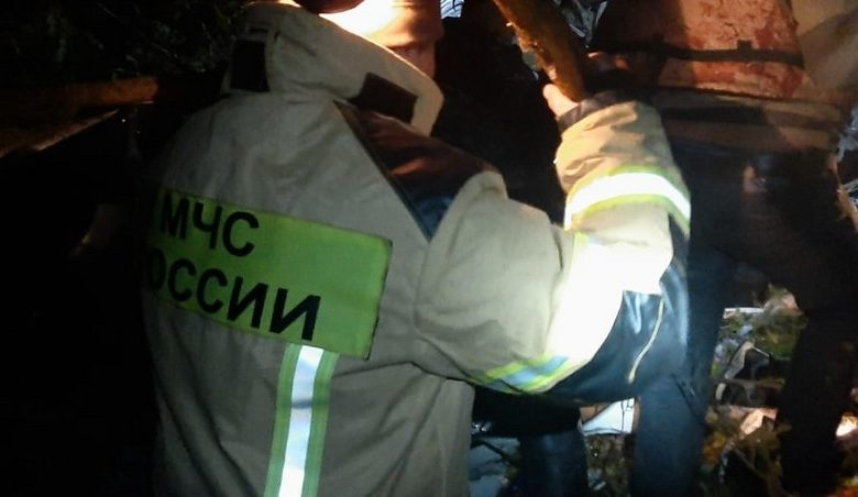 Plane crashes in Russia